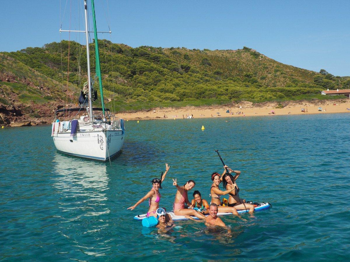 Viaje en velero 8 días por Menorca