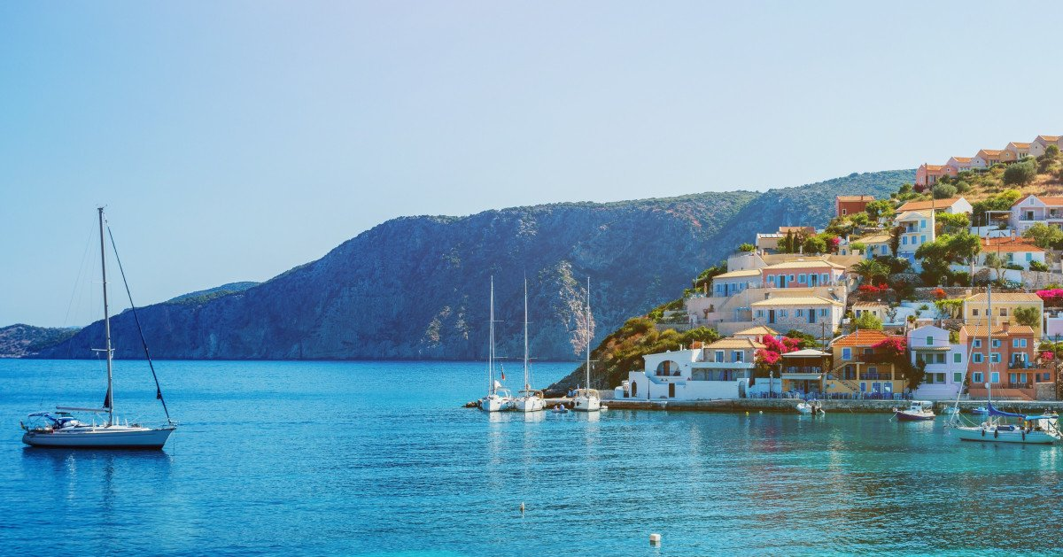 Enjoy a Flotilla Holiday in Greece through Rich Islands, Bays, and Mountains!