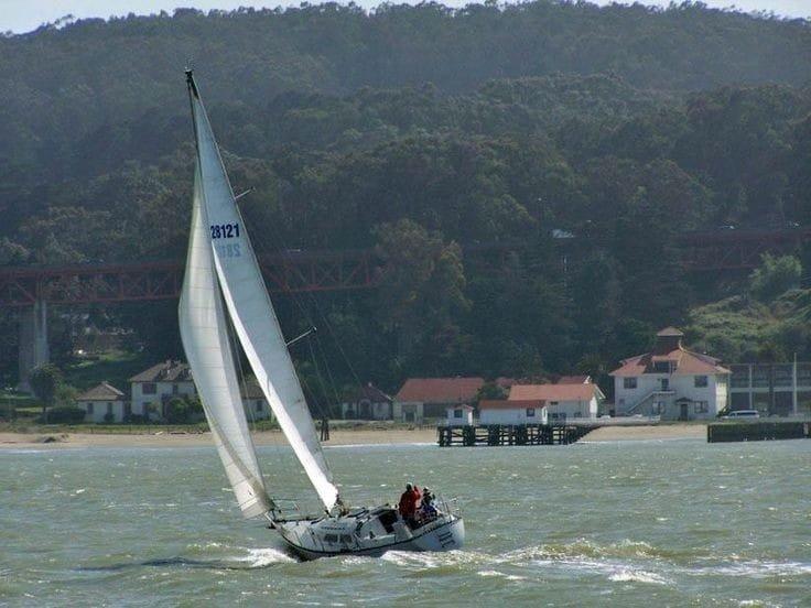 Prácticas de vela (16h) en el puerto de Sotogrande