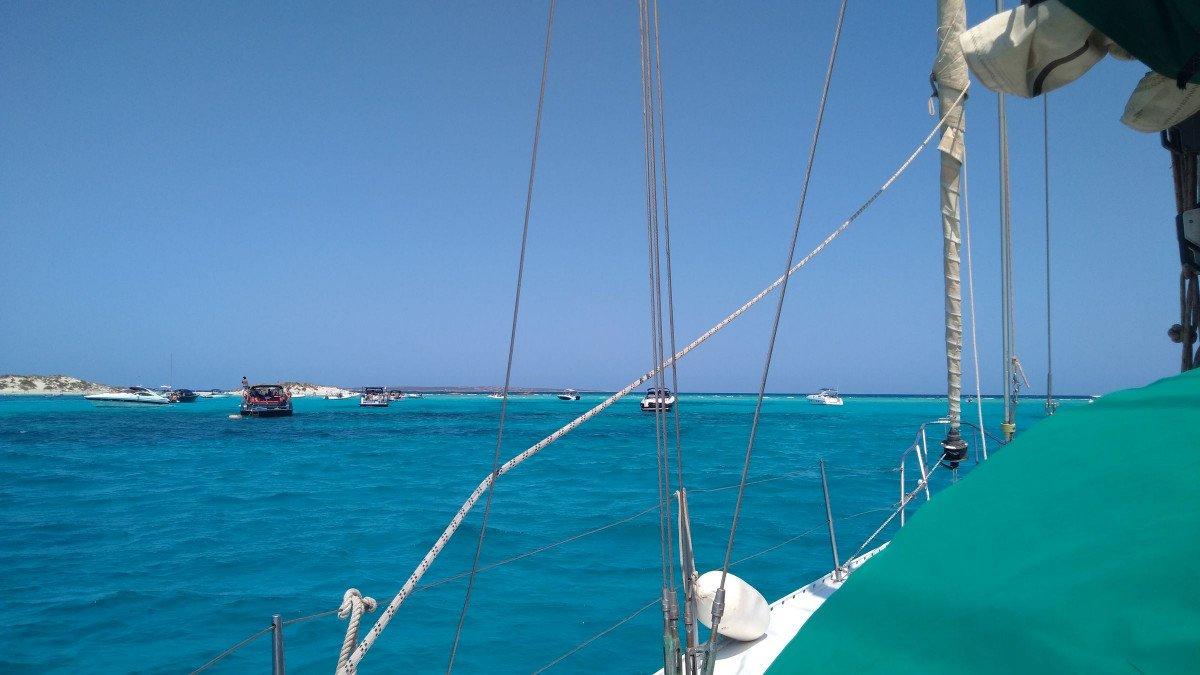 Fin de semana descubriendo Formentera en velero