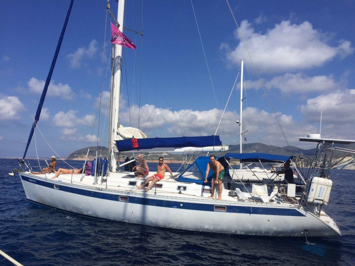 Navega una semana por Ibiza y Formentera en Agosto