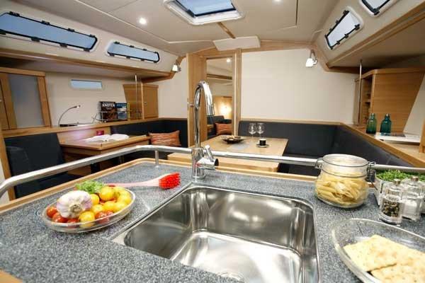 Prácticas Vela Premium en Altea - Máx 3 alumnos, Alojamiento y comida incluidos