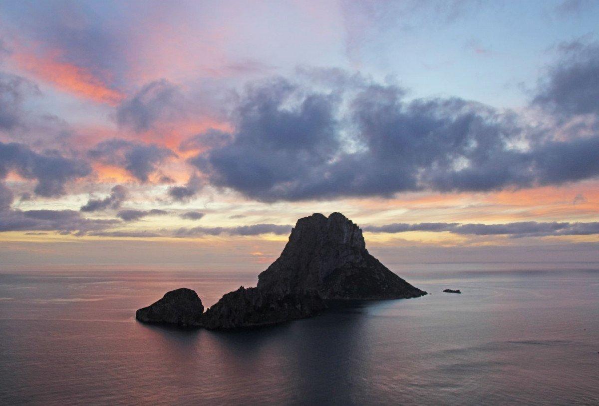 Navega por Ibiza y Formentera en velero con salida desde Barcelona