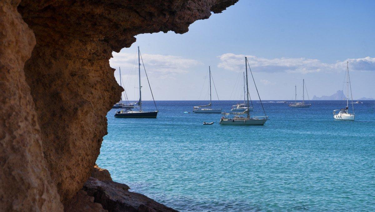 Salida en velero entre Ibiza y Formentera