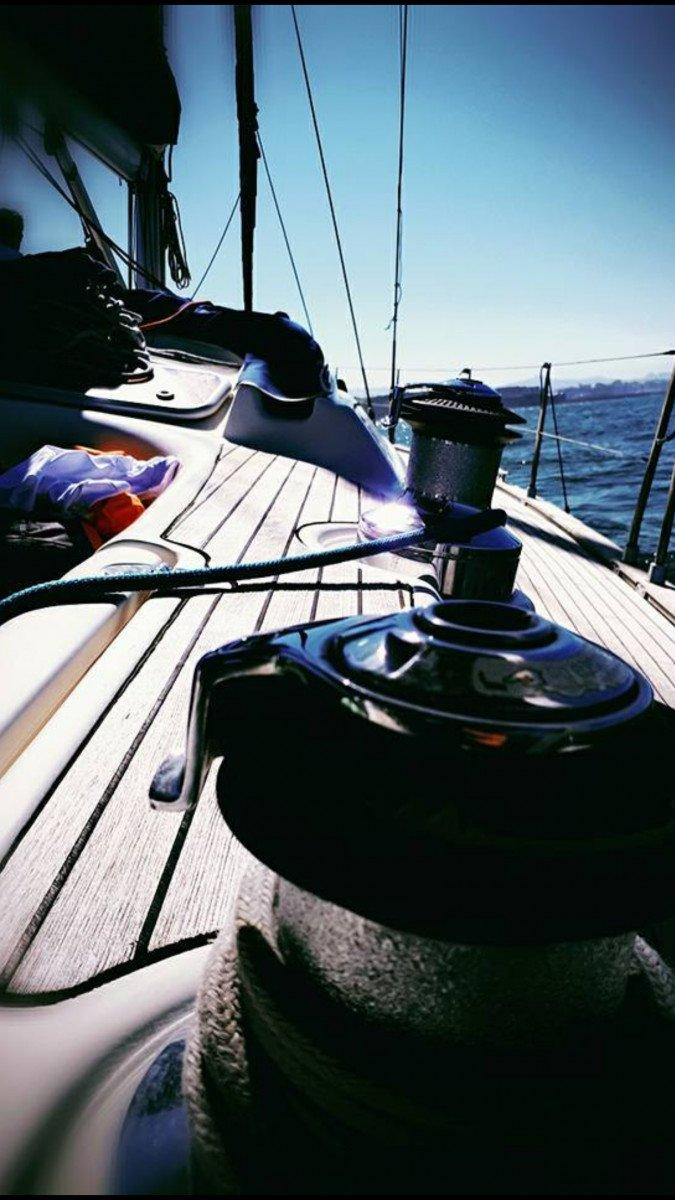 Disfruta de la mar y del Cabo Peñas mientras aprendes a navegar a vela