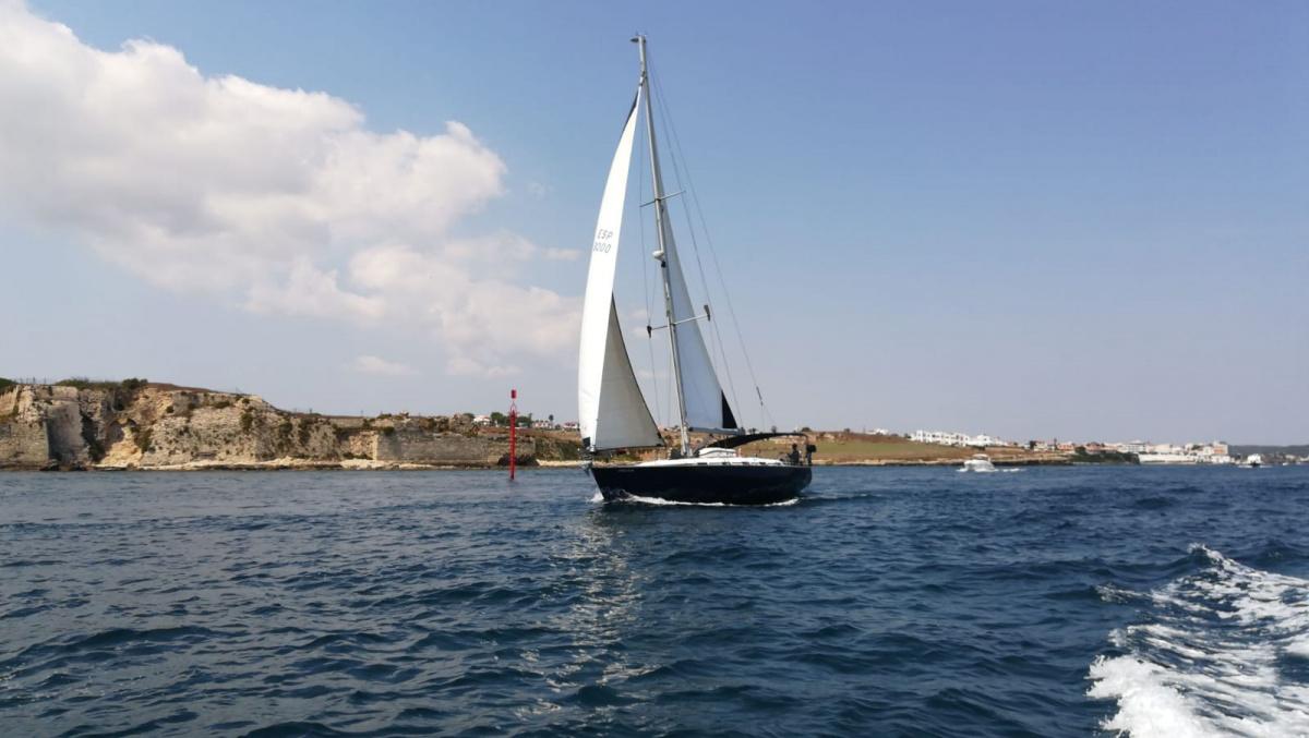 Navega en velero por Baleares con chárter exclusivo