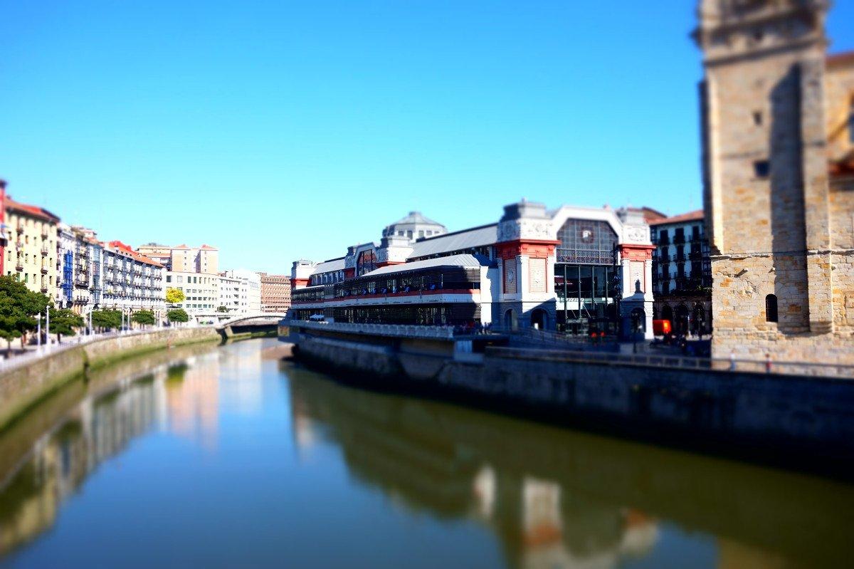 Travesía en velero por la ría de Bilbao