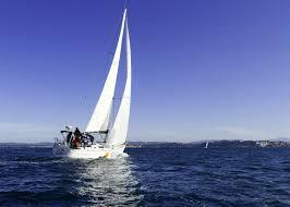 Navega en un espectacular velero por la bahía de Santander
