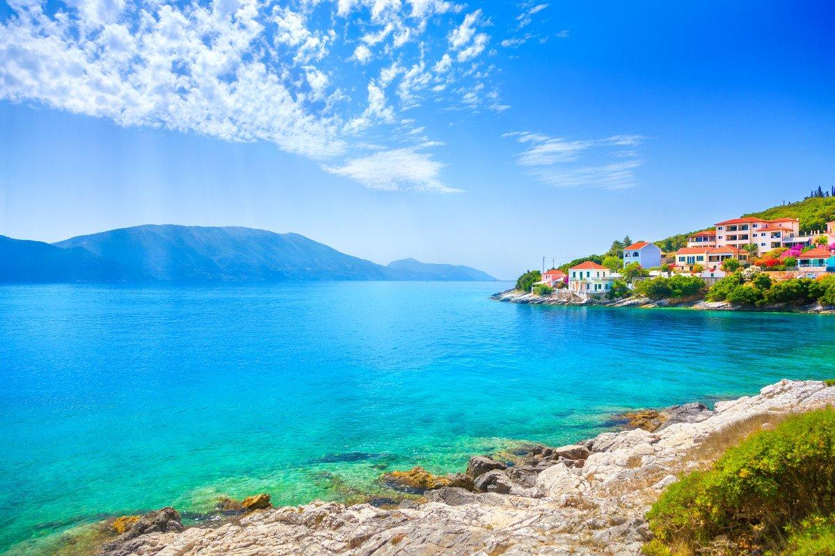 Navegación a vela por las islas Jónicas hasta Atenas