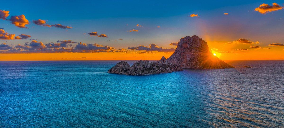 Navega una semana por Ibiza y Formentera desde Barcelona
