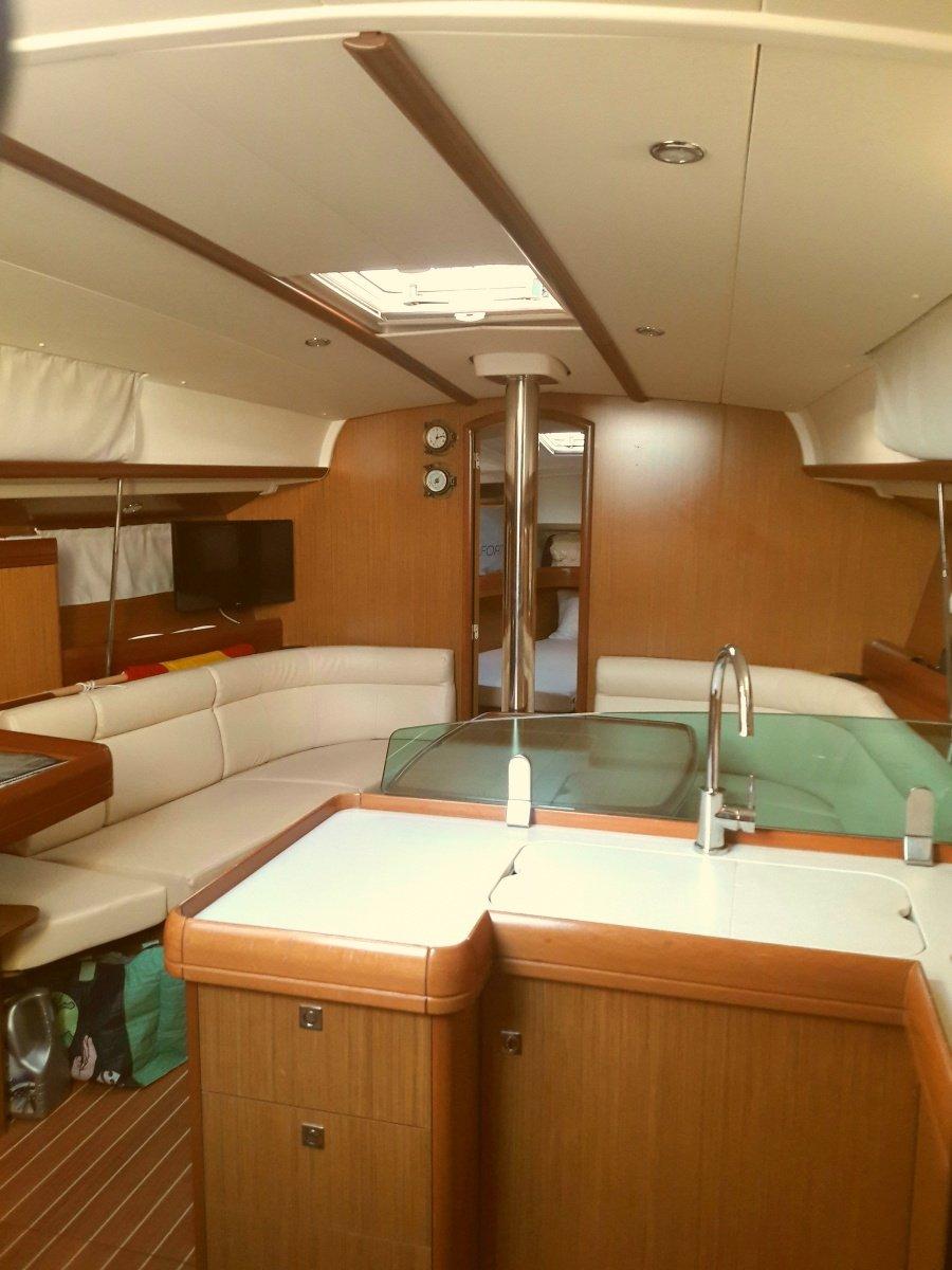 Salida de medio dia a navegar por la costa almeriense