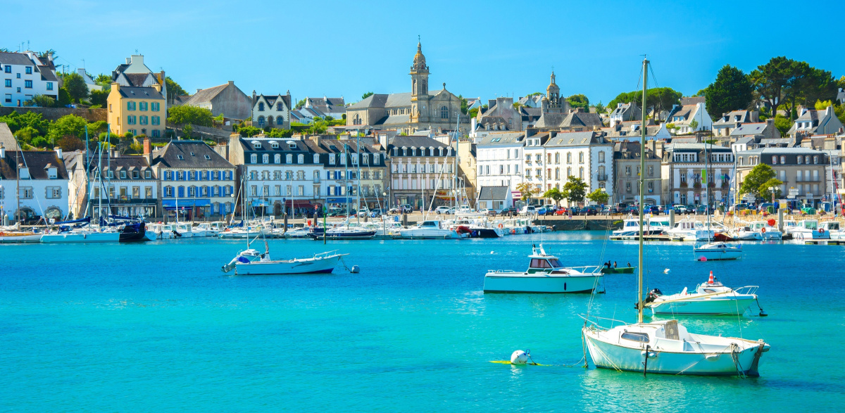 Sailing along the Brittany Coast for a week