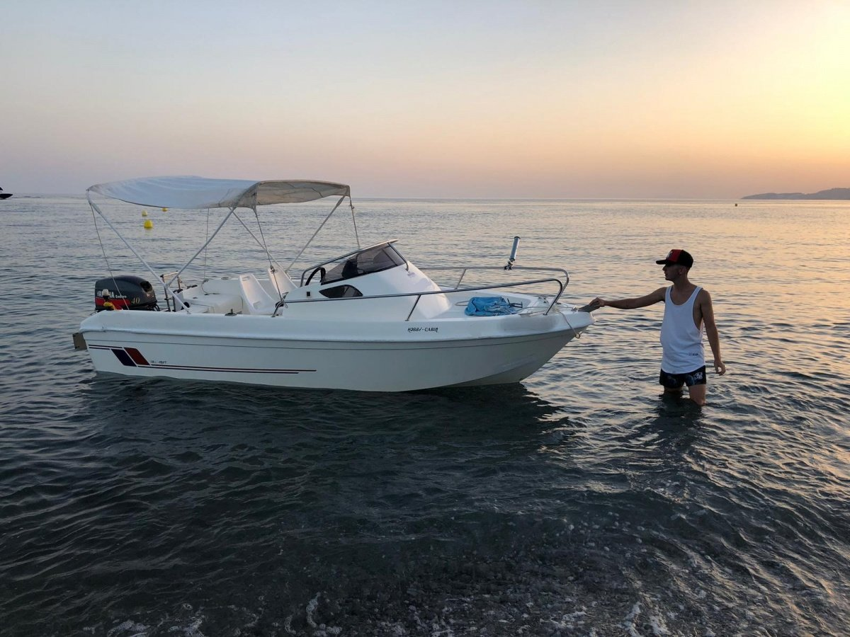 Paseo y pesca en barco por la costa tropical de Salobreña