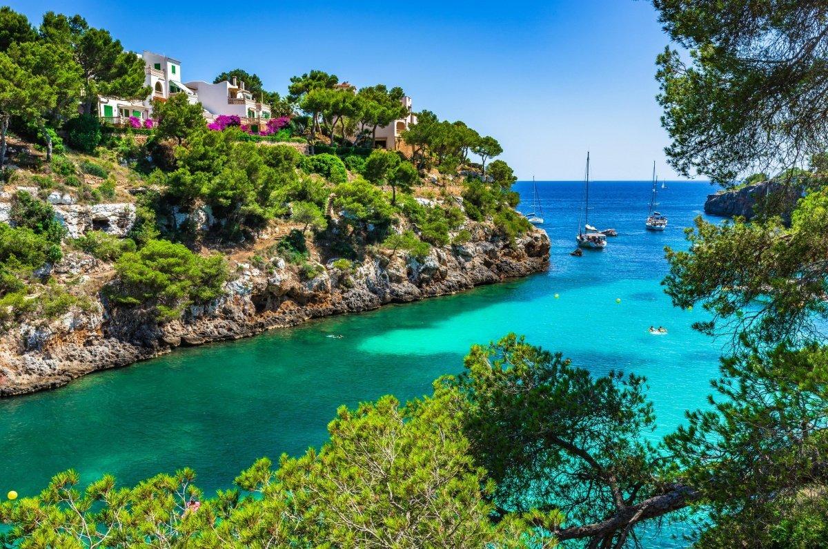 Mejores calas donde fondear en Menorca
