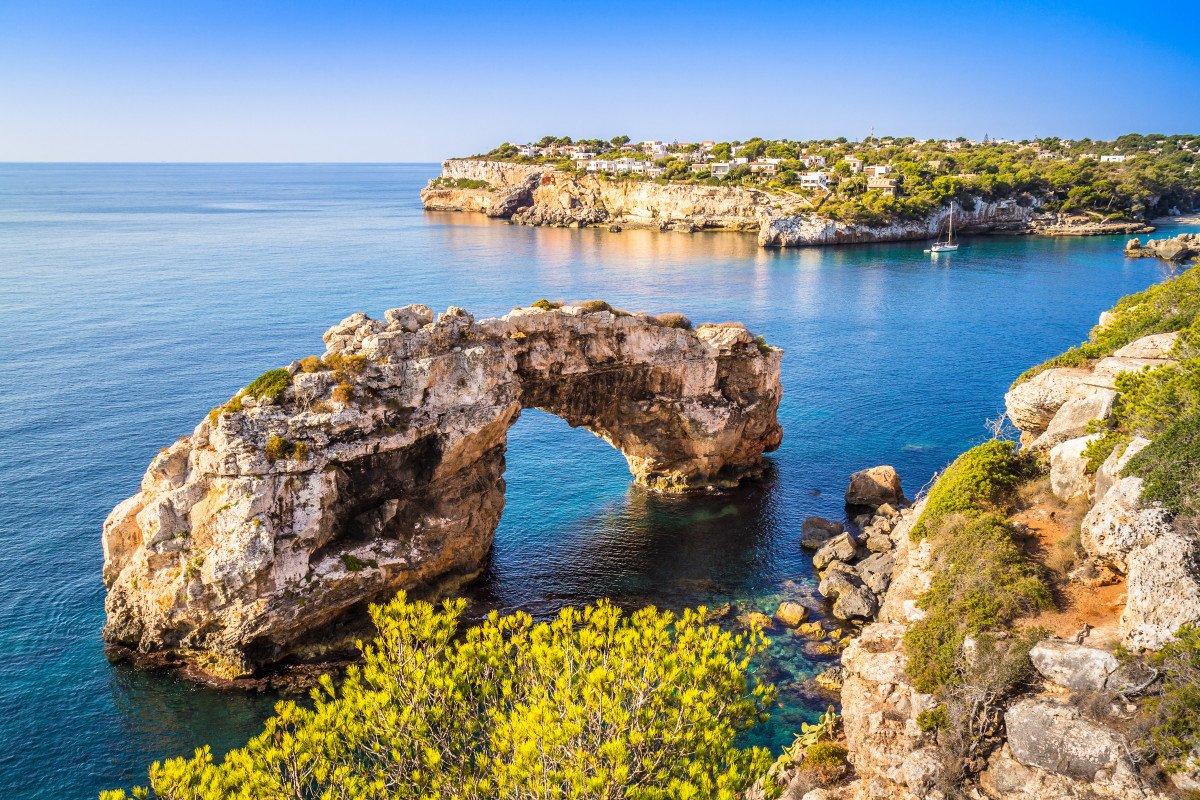Una settimana di viaggio a Minorca su una barca a vela a 4 cabine