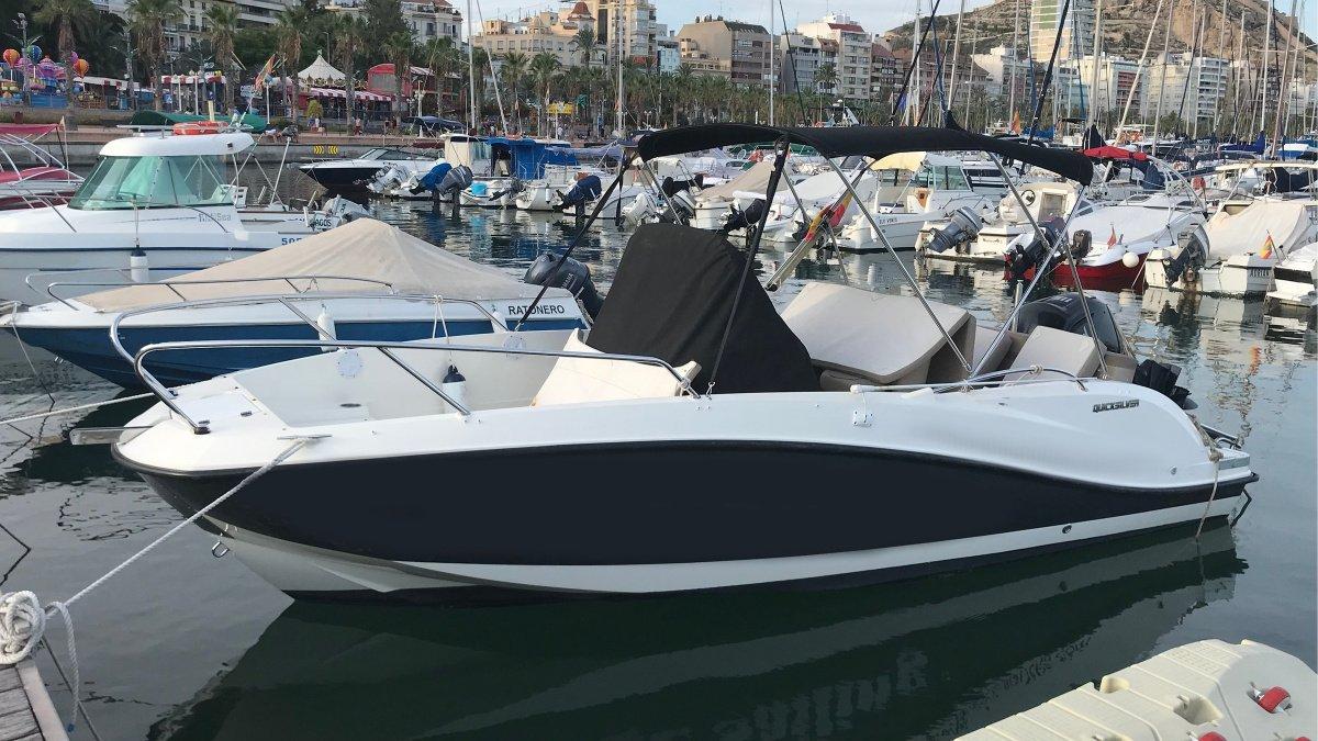 Day Charter en lancha por Alicante